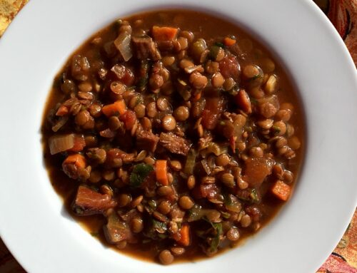 Slow cooker ham and chile lentil soup